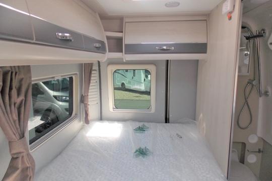 Auto-Sleeper Kingham Bed.JPG