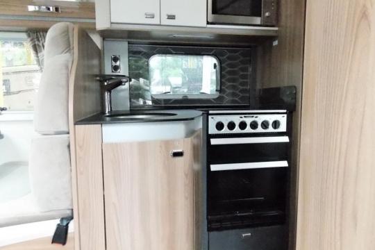 Bessacarr 560 kitchen.JPG
