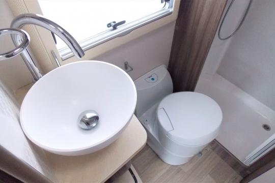 Autosleepers Broadway FB Washroom.JPG