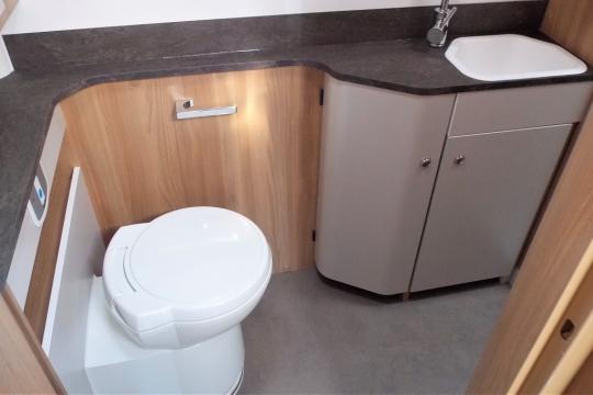 Bailey 79-2F washroom.JPG