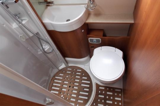 Rapido 803F bathroom.JPG