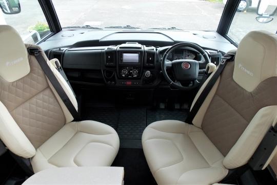 Itineo FC650 Cab.JPG