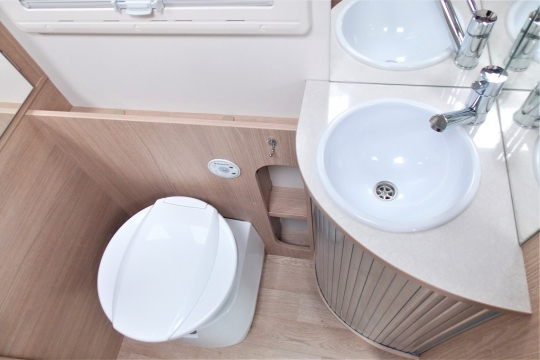 Itineo FC650 Washroom.JPG