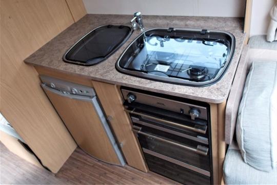 elddis-majestic-145-kitchen.JPG