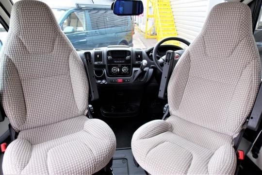 autotrail-v-line-636-cab.JPG