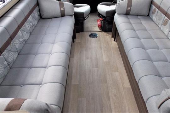 auto-sleepers-broadway-lounge.JPG