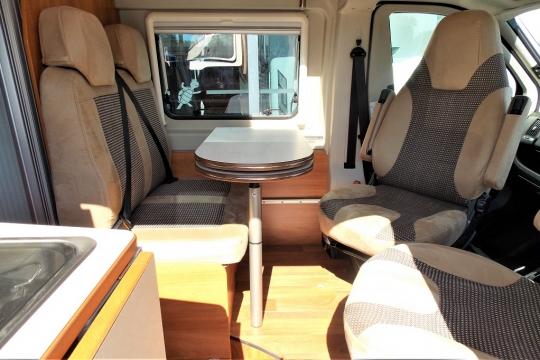 globecar-roadscout-r-seats.JPG