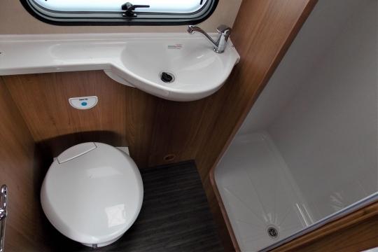 autotrail-tribute-t720-washroom.JPG