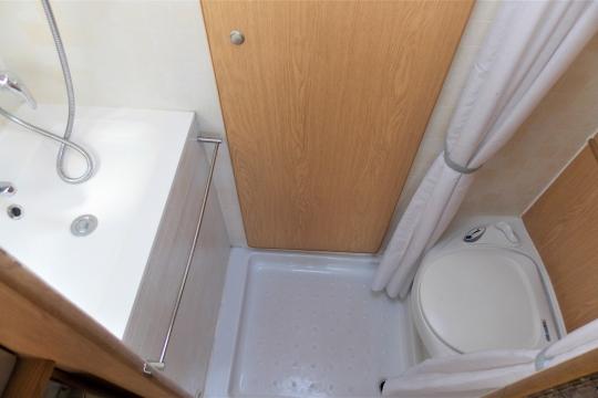 shire-pheonix-fl-washroom.JPG