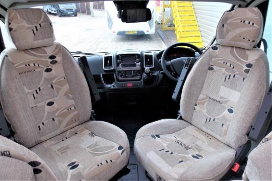 elddis-majestic-15-cab.JPG