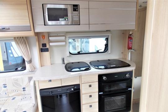 elddis-majestic-155-kitchen.JPG