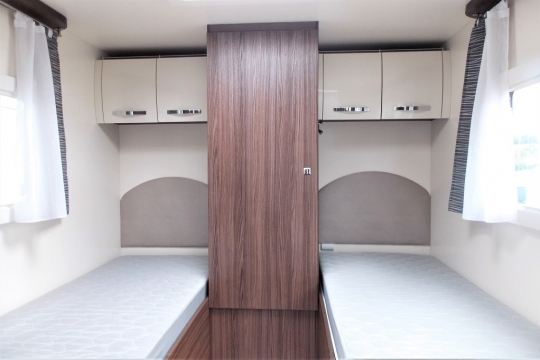 benimar-mileo-264-bedroom.JPG