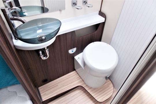 benimar-mileo-264-washroom.JPG