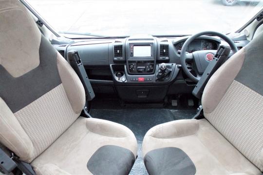 deffleffs-globebus -cab.JPG
