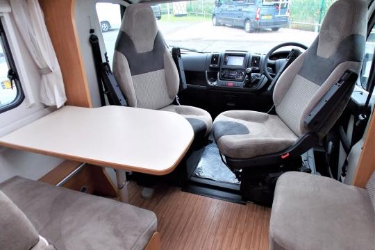deffleffs-globebus -interior.JPG