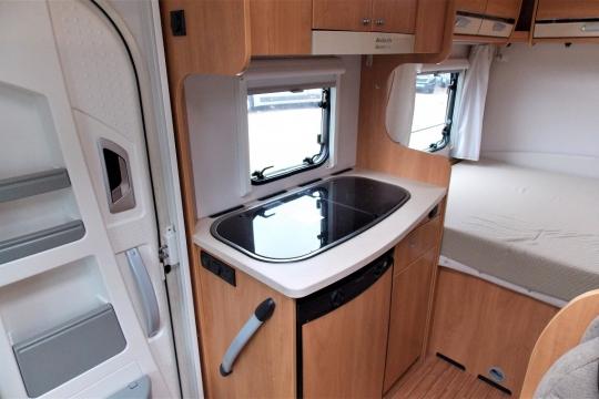 deffleffs-globebus -kitchen.JPG
