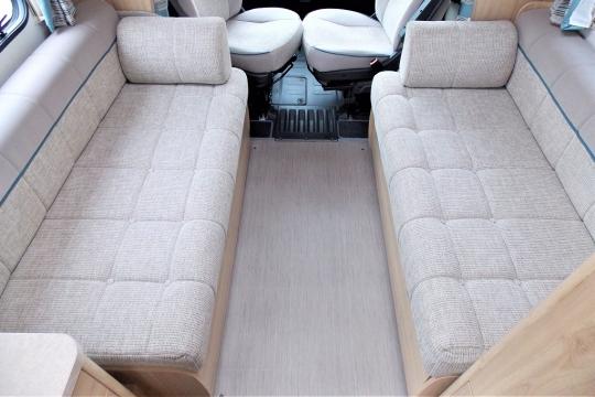 elddis-autoquest-115-bed-bed.JPG
