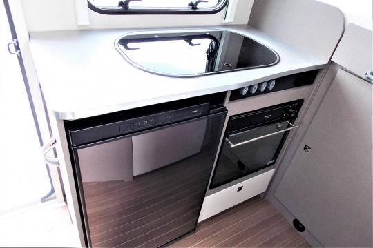 Etrusco-v5900-db-kitchen.JPG