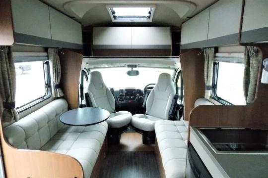 auto-trail-tribute-t715-interior.JPG