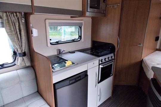 auto-trail-tribute-t715-kitchen.JPG